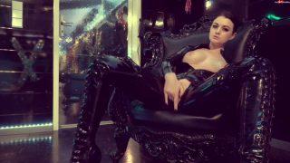 Alissa-Noir – Latexpussy befriedigt…