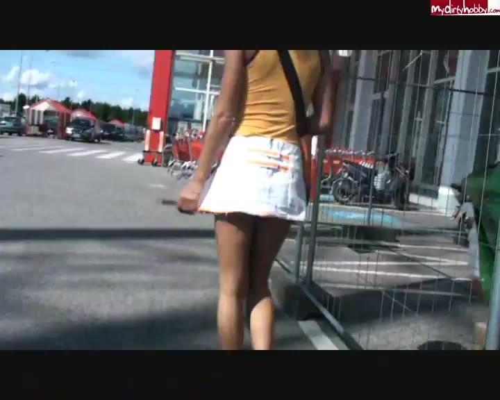 Edelhure Anni Angel lässt sich ohne Gummi ficken