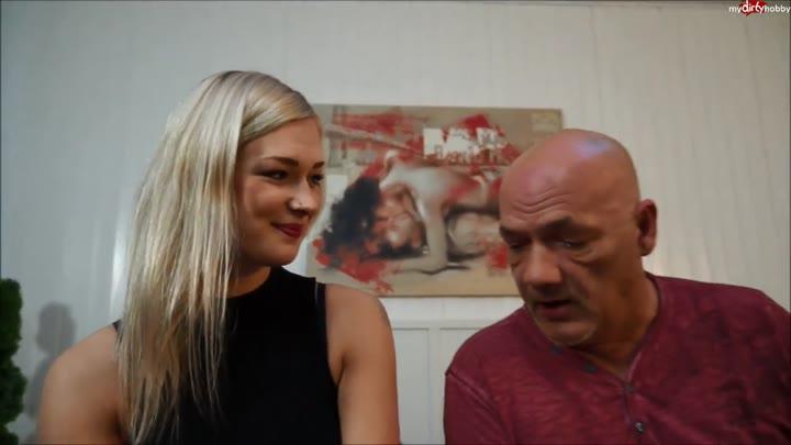 Egon Kowalski fickt junge Blondine