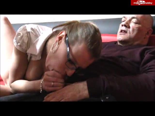 Ficktreffen in der Pornovideotheke mit Egon Kowalski